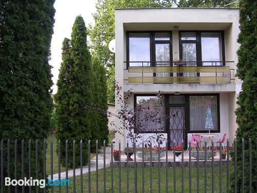 Apartamento de dos dormitorios en Zamárdi. Ideal para grupos