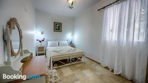 Apartamento con terraza y internet en Agios Gordios. ¡Aire acondicionado!