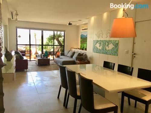 Apartamento ideal con piscina