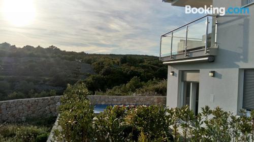 Espacioso apartamento con vistas y piscina
