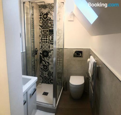 Place for two people in Bromley with internet.