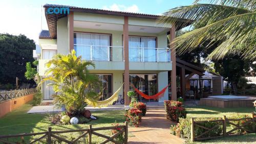 Apartamento de 300m2 en Guarajuba con piscina