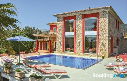 Home with swimming pool. Perfect for families