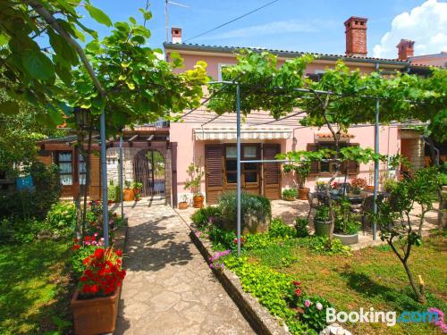 Amplio apartamento en zona inmejorable en Vodnjan