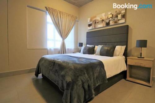 Fenomenale appartamento con una camera da letto. Johannesburg dalla vostra finestra!