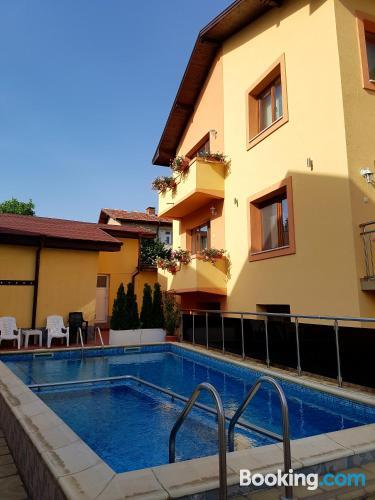 Swimming pool and internet home in Velingrad. Sleeps 2