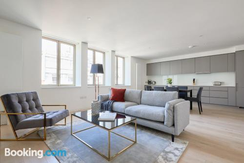 Stay cool: air-con home in London. 92m2!