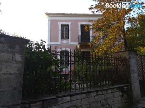 Apartment for couples in Agios Georgios Nilias with wifi.