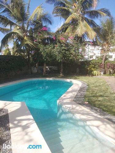 Apartamento en Mombasa con piscina.