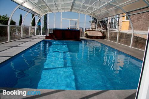 Giant apartment convenient for groups in superb location of Collado Mediano.