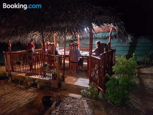 Apartamento con terraza y wifi en Udawalawe ideal dos personas