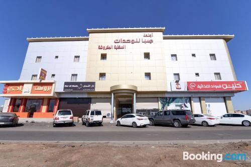 Apartamento en Tabuk perfecto para cinco o más.