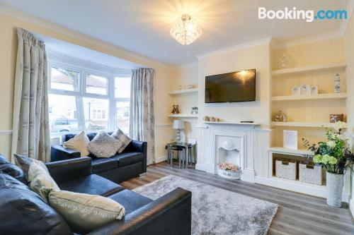 76m2 place in Southend-on-Sea. Perfect for families