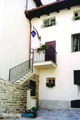 Apartamento de una habitación en Acqui Terme, en buena zona.