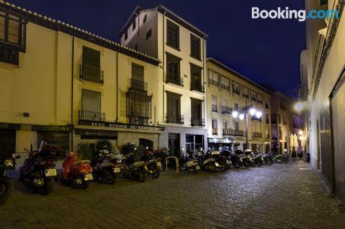Place in Granada. Air-con!