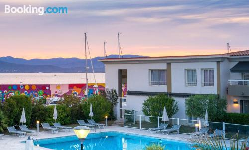 1 bedroom apartment place in Saint-Raphaël with terrace and internet.