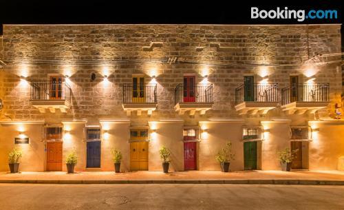 2 bedrooms apartment in Marsaxlokk with internet.