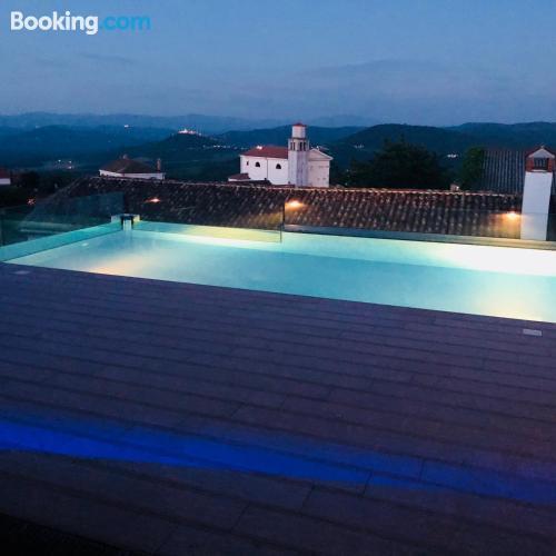 Apartamento de 160m2 en Vižinada con terraza.