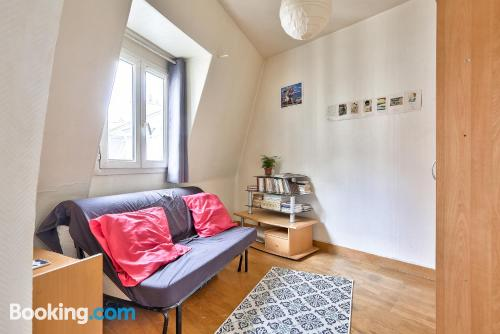 Apartment for 2 in Paris with internet.