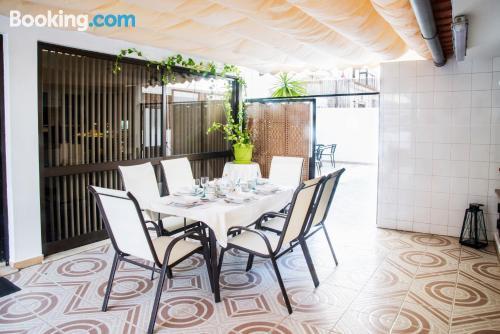 Apartamento bien situado con vistas y wifi