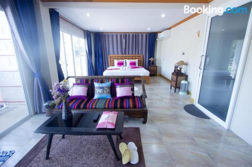 Apartamento práctico con terraza y wifi