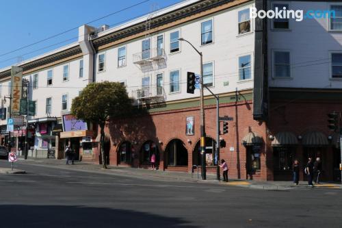 San Francisco place. Wifi!