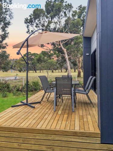 Cómodo apartamento en Coles Bay con vistas.