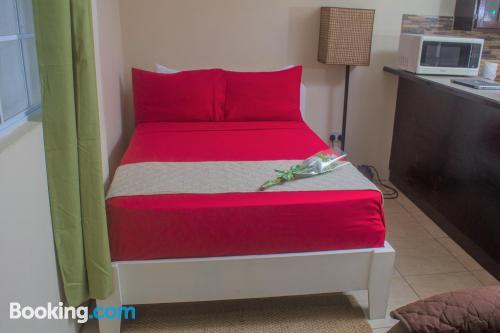 Apartamento pequeño con terraza y wifi