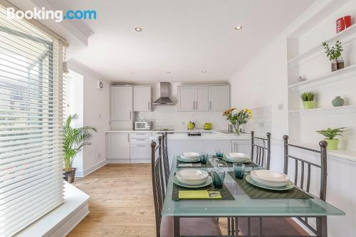 Two room home in London with heating
