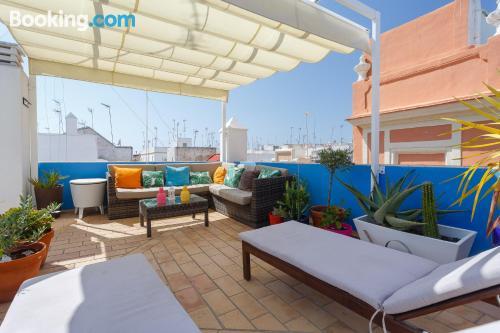 Amplio apartamento de dos habitaciones en Cádiz