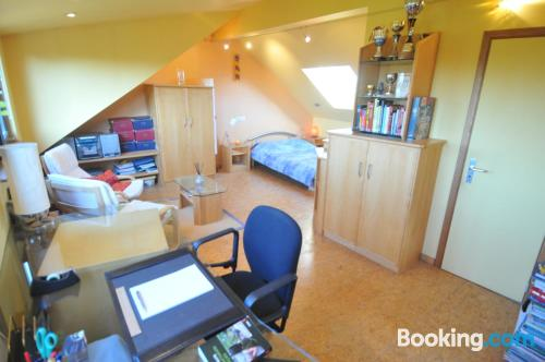 Pequeño apartamento parejas con terraza y wifi