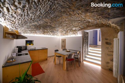 Apartamento para familias en Tirano, en el centro.