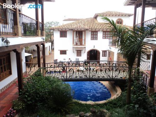 Cuco apartamento en Villa de Leyva con piscina
