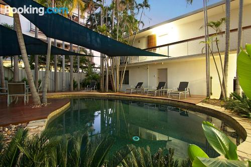 Bonito apartamento parejas con piscina
