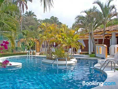 Apartamento con piscina. Ideal para grupos