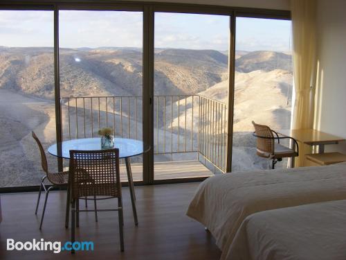 Práctico apartamento parejas con wifi y terraza