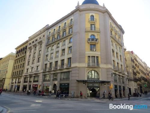 Estudio con todo en buena zona de Barcelona