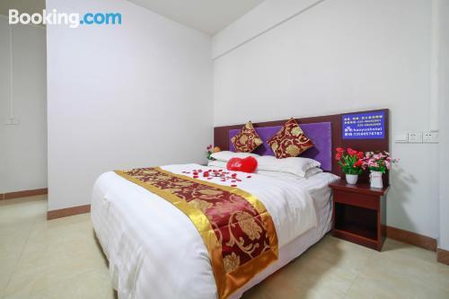 Apartamento de una habitación en Cantón con terraza y internet