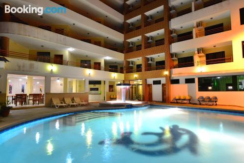 Apartamento con wifi y piscina