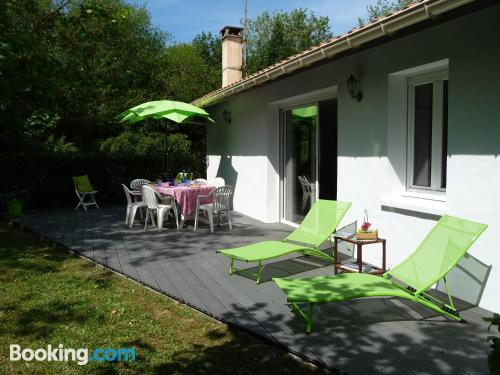 Terrace and internet home in Biarritz. Kid friendly