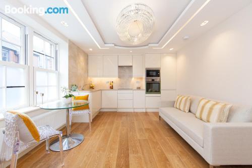1 bedroom apartment in London. Cozy!