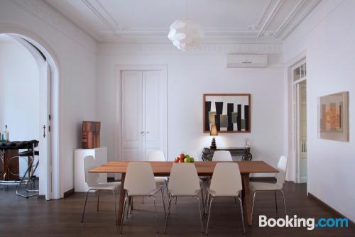 Appartamento con calore in posizione incredibile di Barcellona