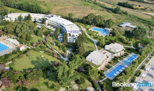 Home with wifi. Enjoy your swimming pool in Kallithea Halkidikis!
