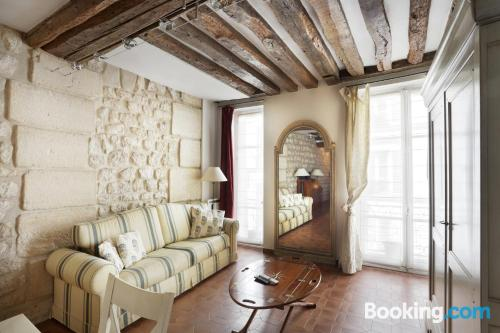 Great 1 bedroom apartment. Paris at your feet!