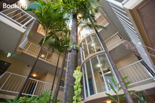 Apartamento con piscina, terraza y conexión a internet
