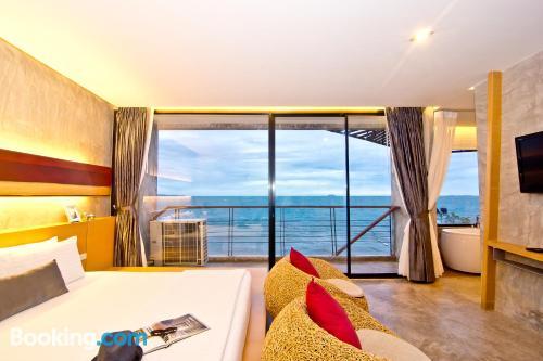 Práctico apartamento dos personas en Jomtien Beach