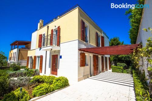 Apartamento ideal para familias en Splitska