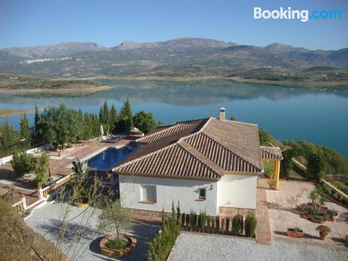 Apartamento con piscina en Viñuela