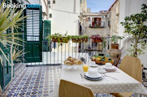 Apartamento bien ubicado con terraza en Palermo