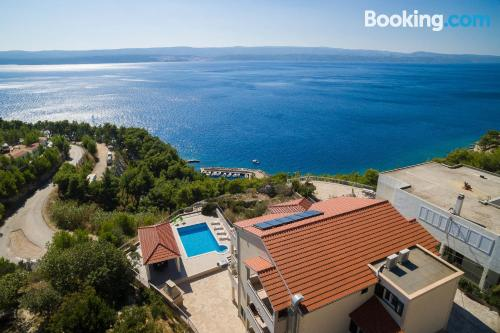 Apartamento en Omiš con piscina